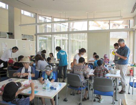 霞ケ浦環境科学センター夏祭り2013へ出展(8/24 保冷剤作成の様子)